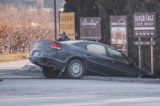 Car  ice ditch January 31, 2015_DSC0022